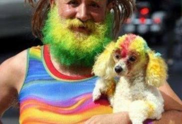 Starý hipisák a jeho psík