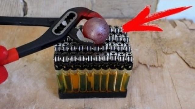 Žeravá kovová guľa vs 50 zapaľovačov