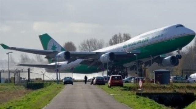 Najhoršie havárie lietadiel zachytené kamerou